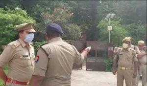 खड़े ट्रक में पीछे से पिकप ने मारी टक्कर,चालक की मौत , पटरंगा थाना क्षेत्र के रमई का इंदारा गांव के पास हुआ दर्दनाक हादसा
